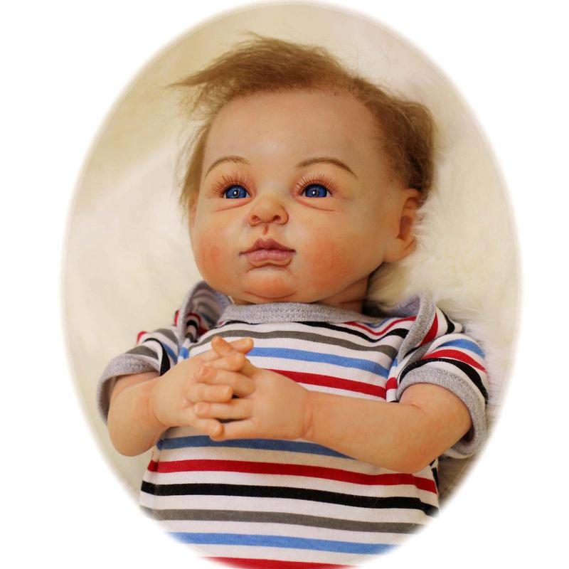 リボーンドール リアル赤ちゃん人形 本物そっくり かわいいベビー人形 ハンドメイド海外ドール 衣装付き ブルーアイ アーティストメイク 外国の男の子 本物みたいな乳児ちゃん