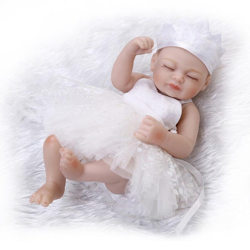 リボーンドール フルシリコンビニール リアル赤ちゃん人形 ミニサイズ25cm 入浴可能 かわいいベビー人形 未熟児サイズ 天使の寝顔 白のドレス クローズアイ