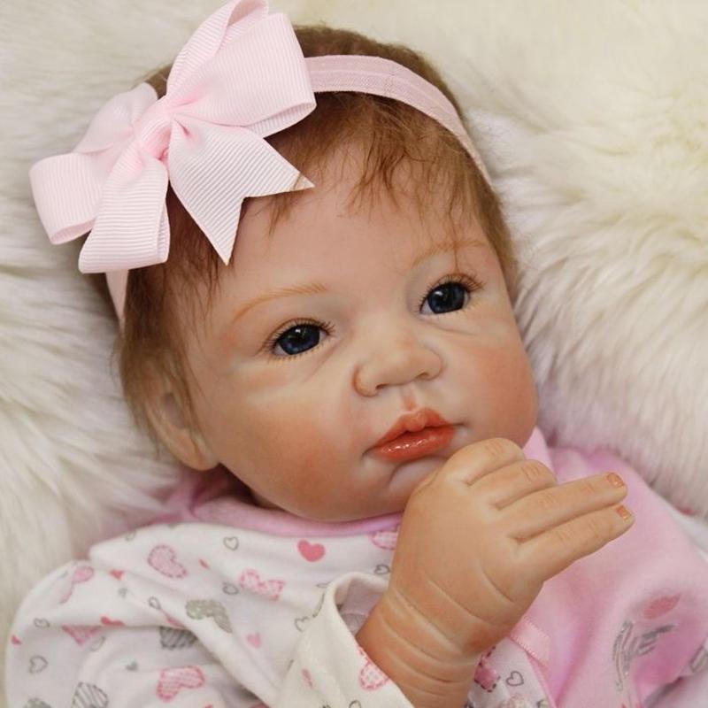 リボーンドール リアル赤ちゃん人形 本物そっくり かわいいベビー人形 ハンドメイド海外ドール 衣装付き ブルーアイ 外国の女の子 ピンク 本物みたいな乳児ちゃん