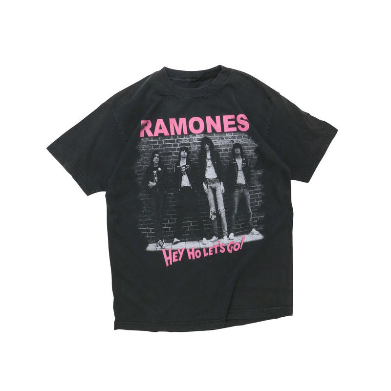 "RAMONES ""HEY HO LET'S GO"" USED T-shirt"