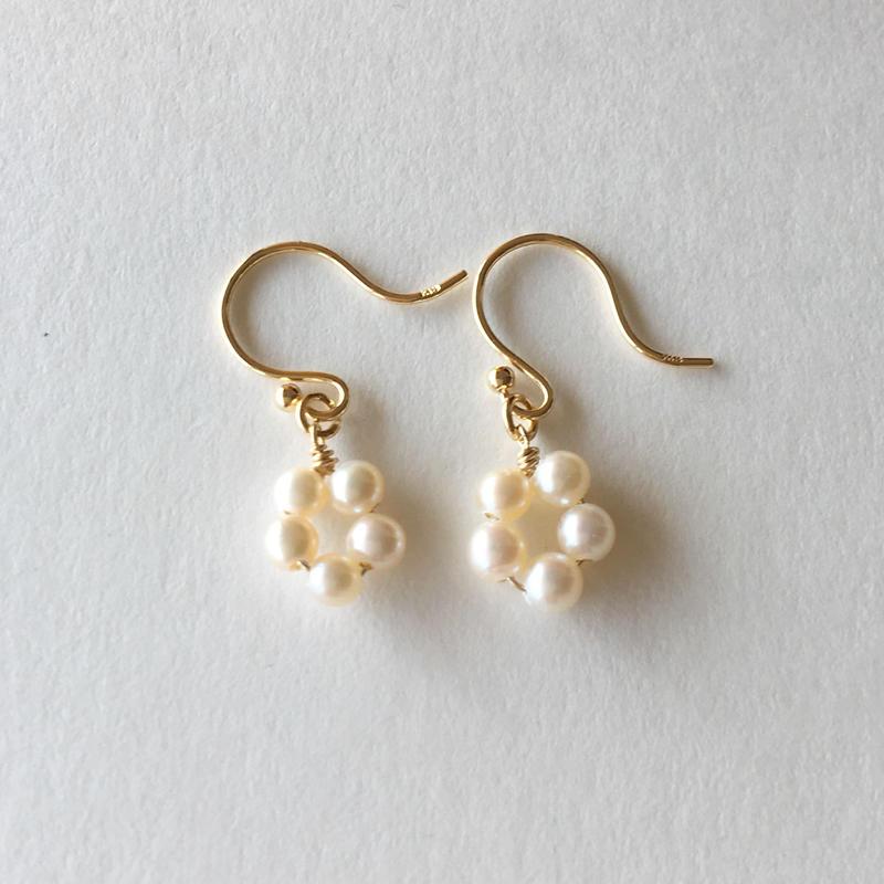 【K18】【6月誕生石】淡水パールのプチフラワーピアス【June birthstone】Flower Pearl earrings