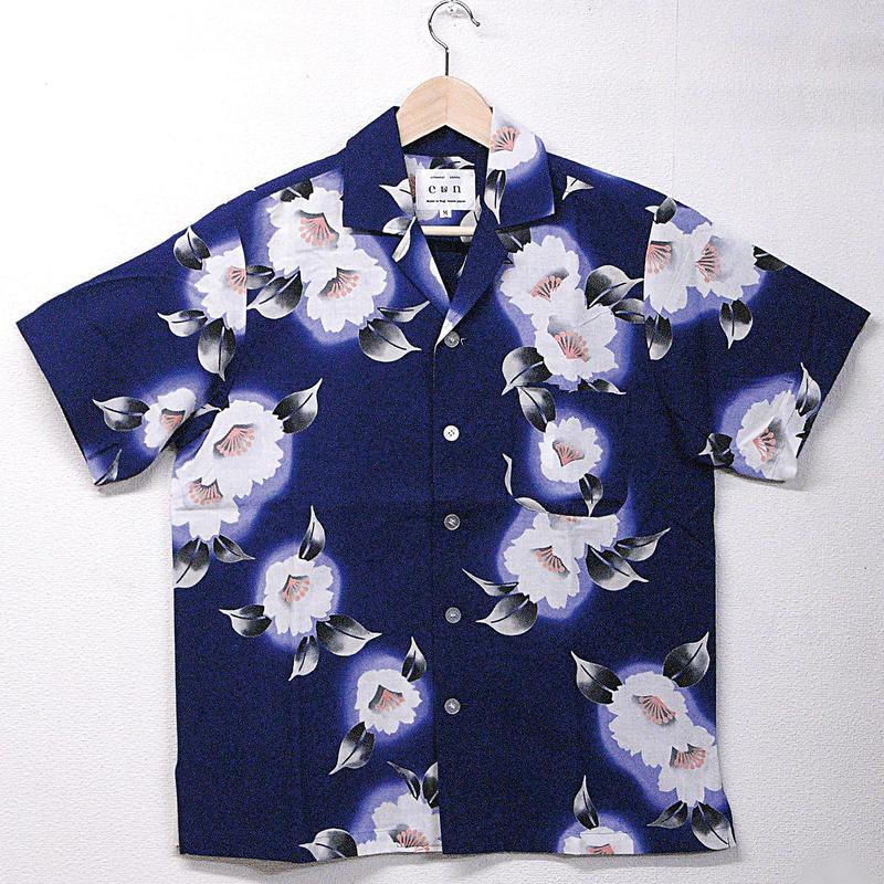 オリエンタル アロハシャツ  (男性Mサイズ半袖) 紺地にシックな花柄