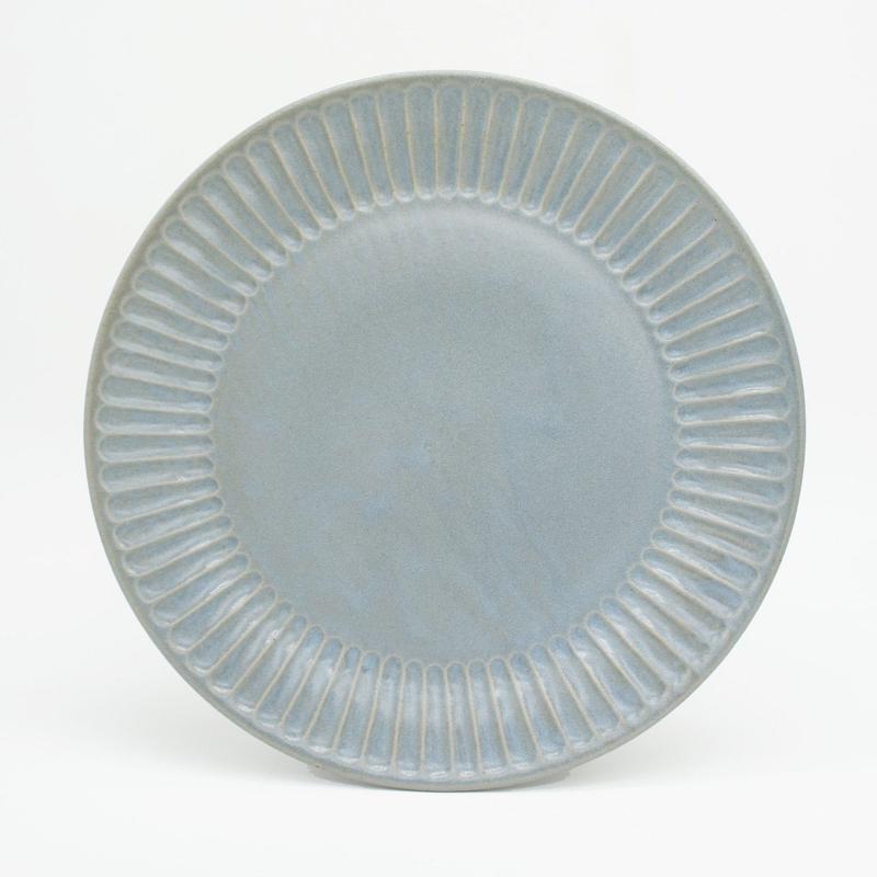 【M044bl】パンとごはんと... ひらひらの器 ROUND PLATE L blue