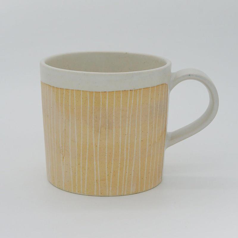 【M010cr】パンとごはんと...  掻き落としの陶器 MUG CUP cream