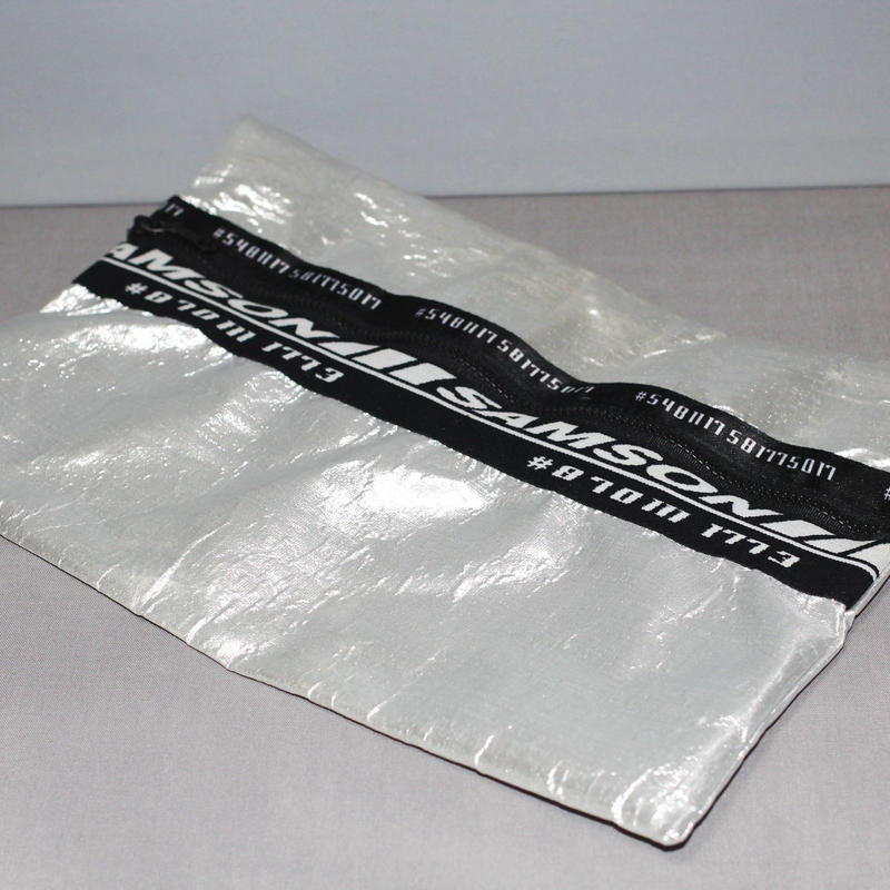 SHAUN SAMSON / SILVER CLUTCH BAG