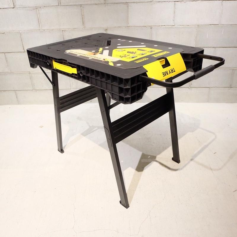 DEWALT デウォルト 33 in. Folding Portable Workbench