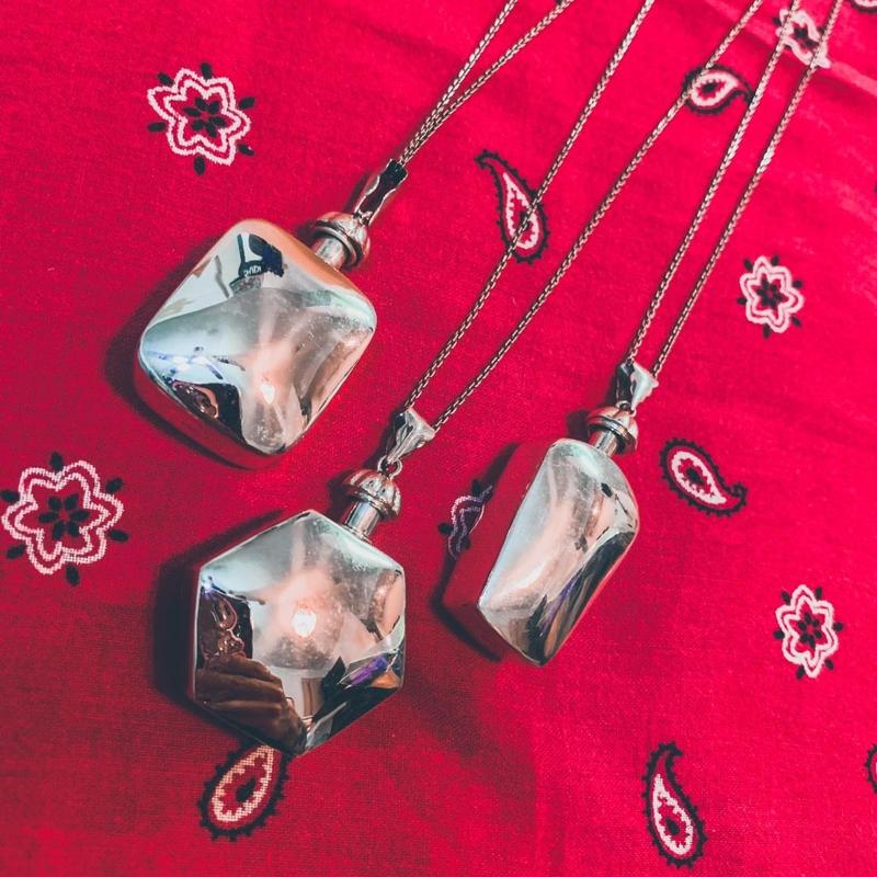 perfume bottle necklace J/9
