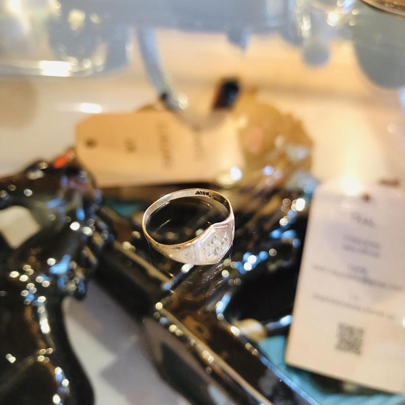 vintage signet ring #R57