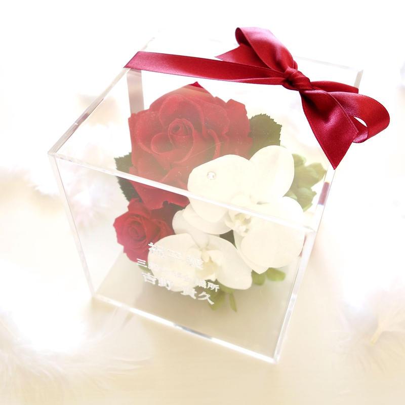 """《名入れギフト☆メッセージ刻印》message ROSE """"Bienvenue"""" ☆大きいサイズ☆紅白のお祝いフラワーボックス"""
