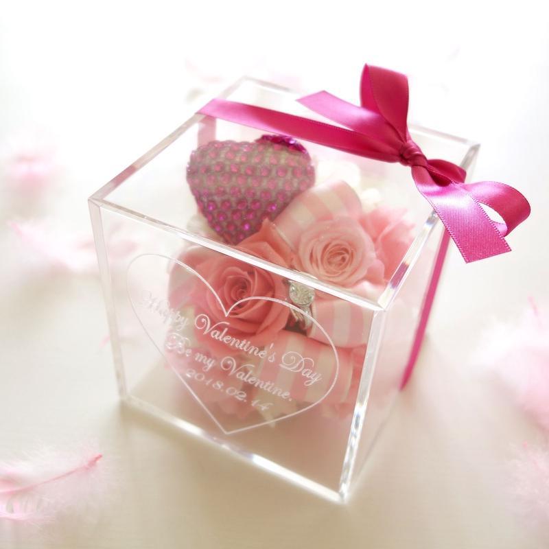 """《名入れギフト☆メッセージ刻印》message ROSE   """"PINK Heart""""   可愛いを詰め込んだピンクのフラワーボックス"""