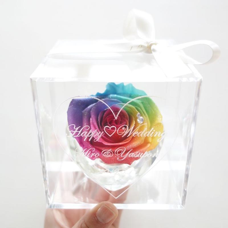 """【母の日ギフト】《名入れギフト☆メッセージ刻印》message ROSE """"RAINBOW DAYS""""   特別な一輪を贈る、レインボーローズのフラワーボックス"""