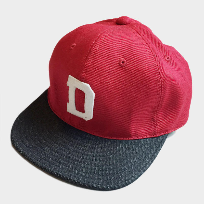 D LOGO BASEBALL CAP