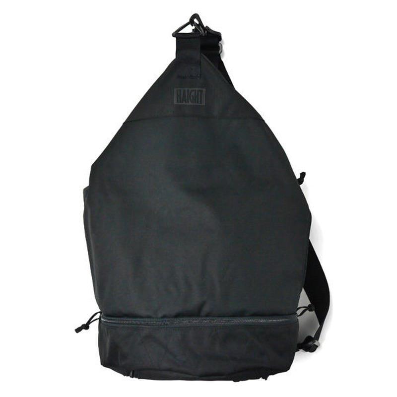 HT-G180004 / ONE SHOULDER TRAINING BAG - BLACK