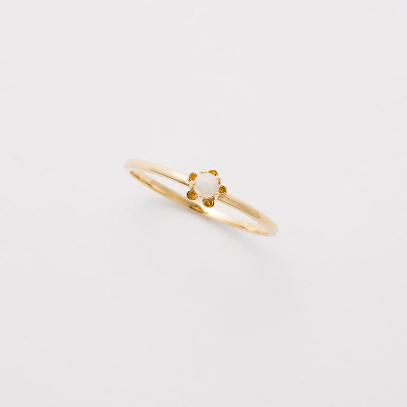 bud ring / gold / opal
