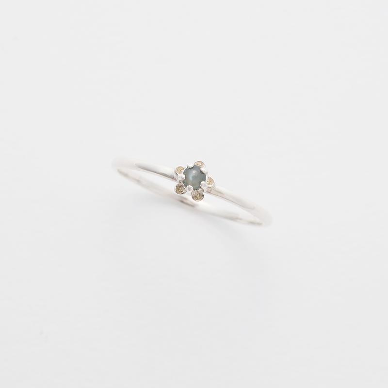 bud ring / silver / chrysoberyl cat's-eye