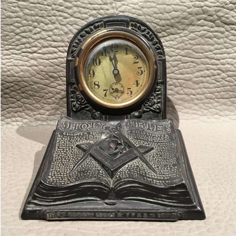 Vintage  Masonic  Holy  Bible  Desk  Clock