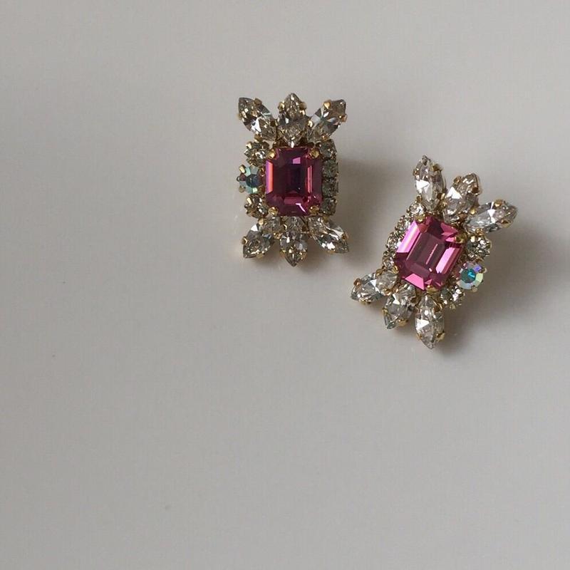 Pink crystal pierce earring
