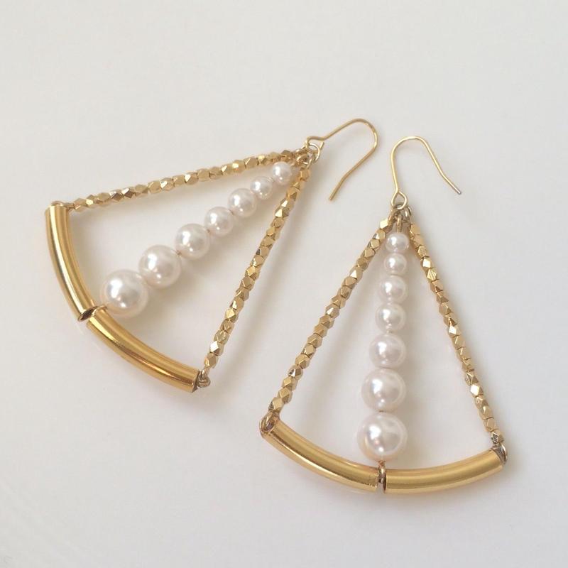Gold triangle pearl pierced earring
