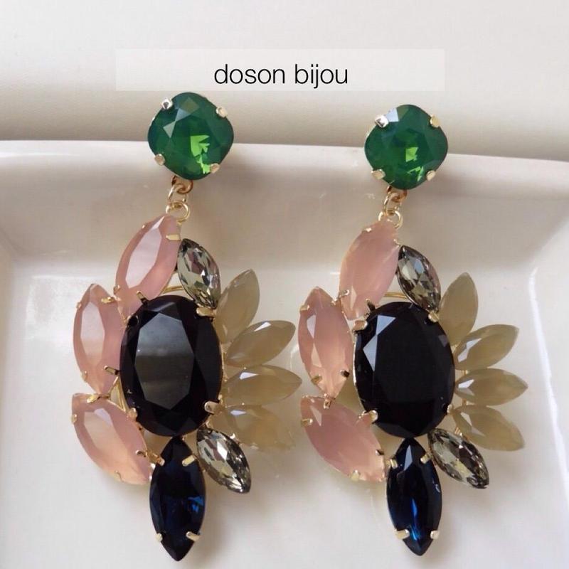 Smoky color pierced earring