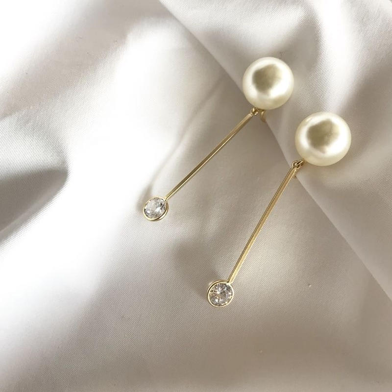 crystal pearl pierce earring