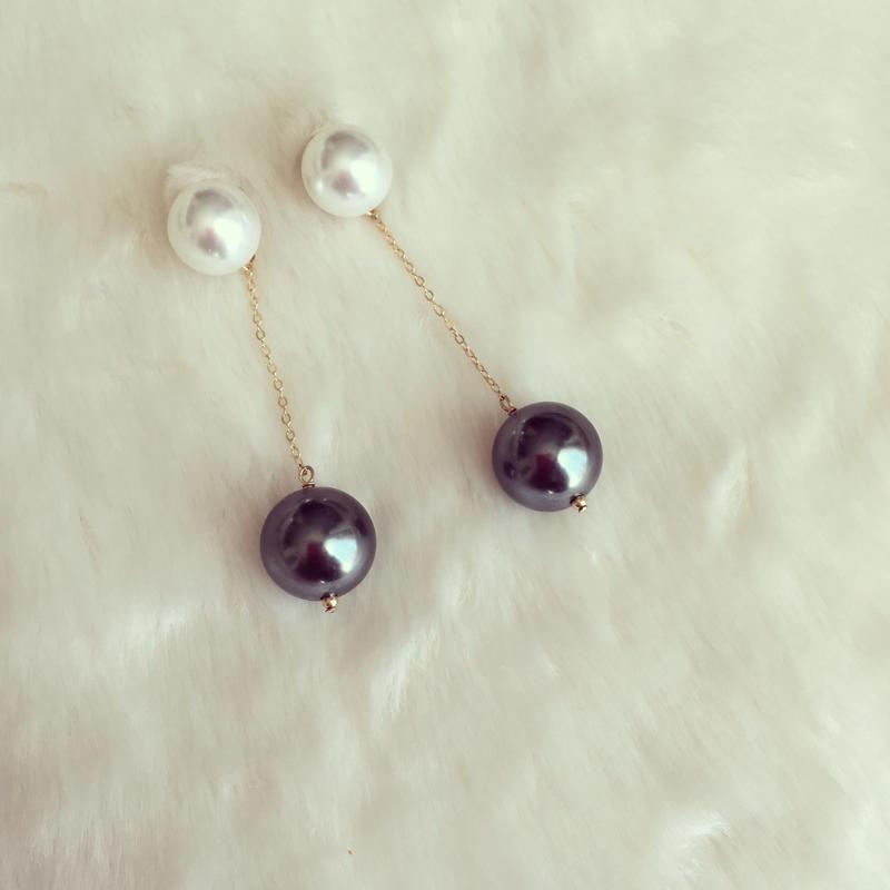White×gray pierce earring