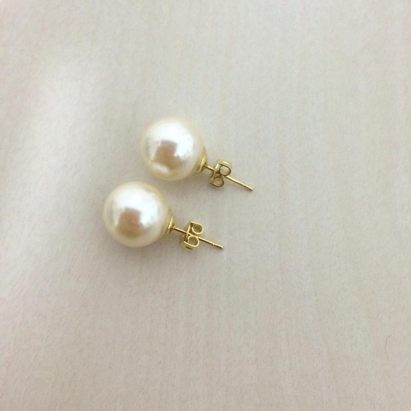 Imitation pearl pierced earring