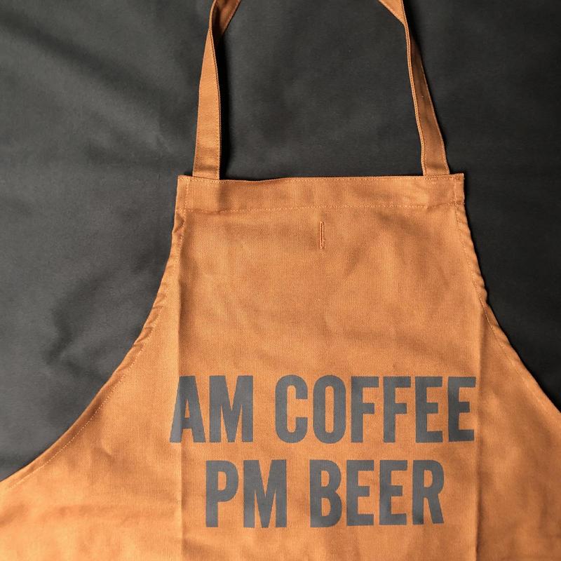"""⭕️[新型エプロン] DRESSSEN    DAY USE W POCKET  APRON   WPAB9""""AM COFFEE PM BEER""""※正面に二つのポケットがございます"""