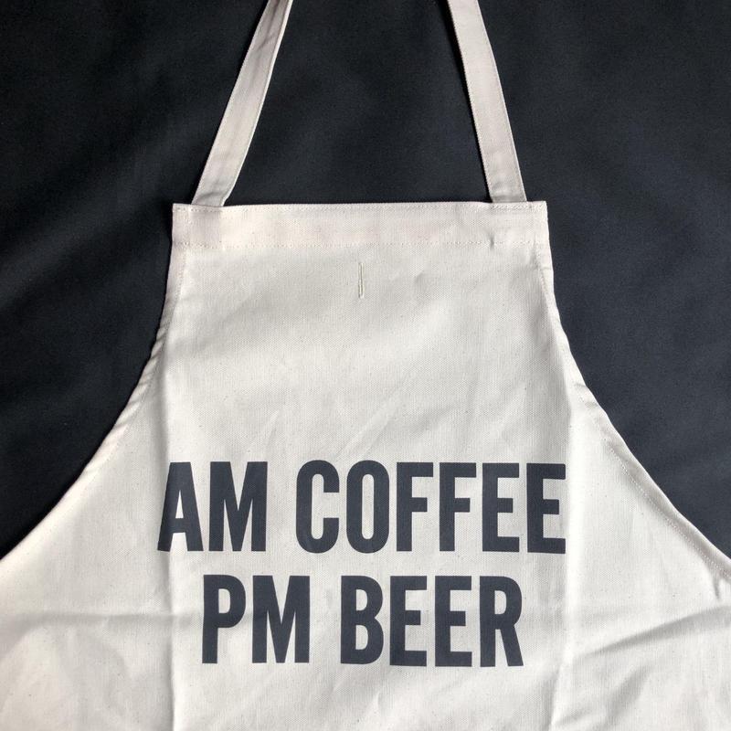 """⭕️[新型エプロン] DRESSSEN    DAY USE W POCKET  APRON   WPA9""""AM COFFEE PM BEER""""正面に二つのポケットがございます"""