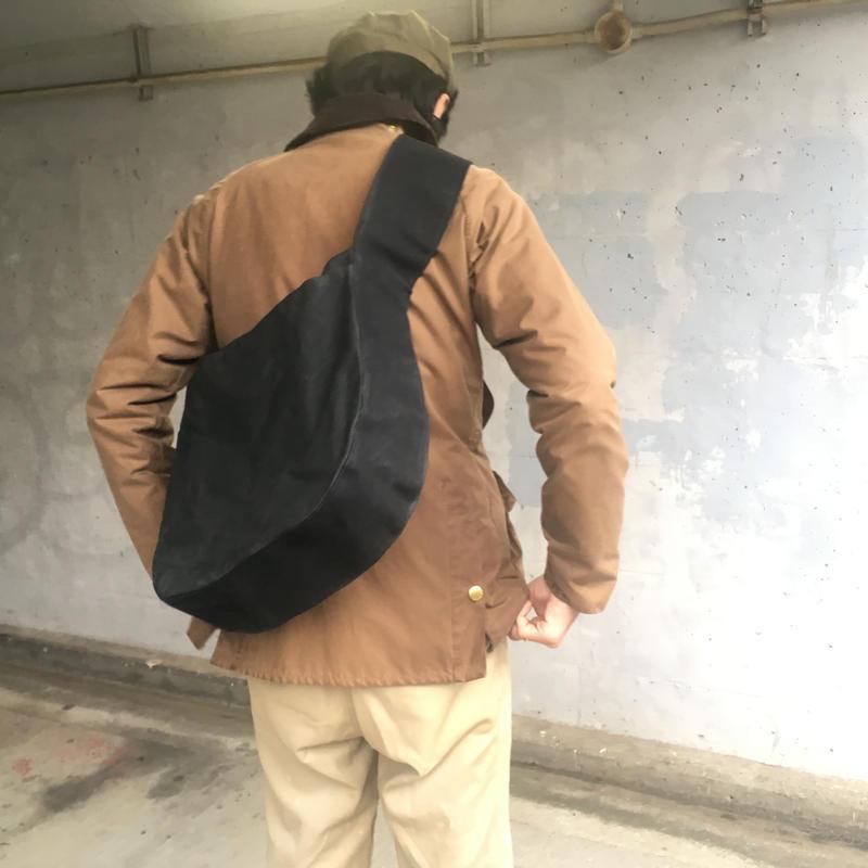 アナザープラネットバッグ M -チャコールブラック/ブラック-