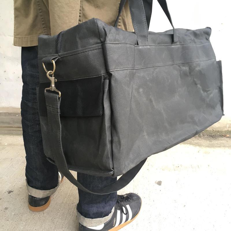 ブリクストン バッグL -チャコールブラック/ブラック-