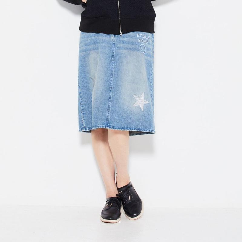 1804705 デニム刺繍スカート