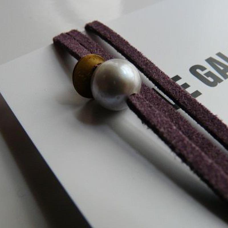 天然パール付 レザーブレスレット Made in Paris グレー パール1つタイプ ・ パープルーカラー