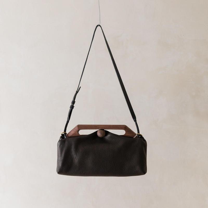 "Eatable【TIN CLUTCH BAG】""Black"""