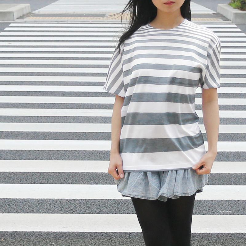 街に溶け込むTシャツ