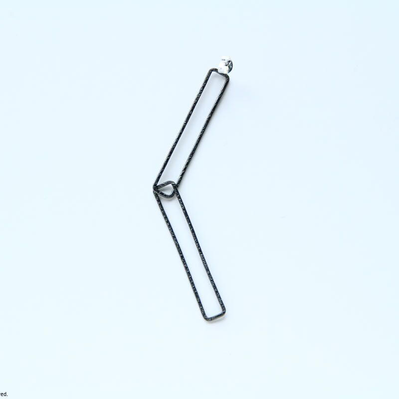 Rectangle earring, a40-42 / BK