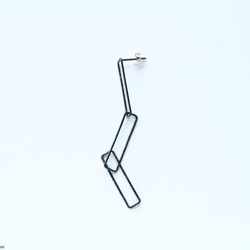 Rectangle earring, a3 / BK