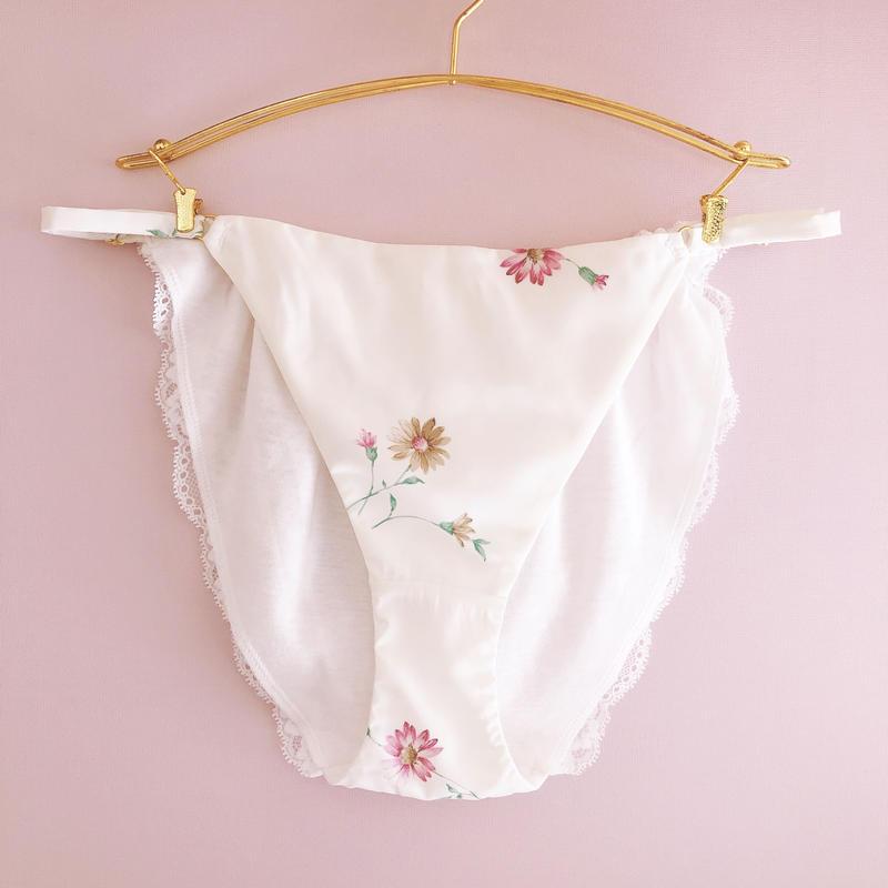 doux white romantic flower panty