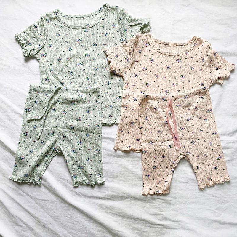 *separete floret pattern Tee & pants set
