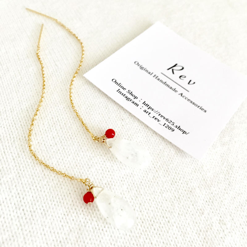 【6月 お誕生石】レインボームーンストーン×赤珊瑚のアメリカンピアス K14GF