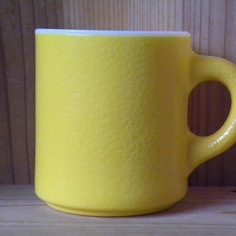 ミルクガラス HAZEL ATRAS Stacking Yellow