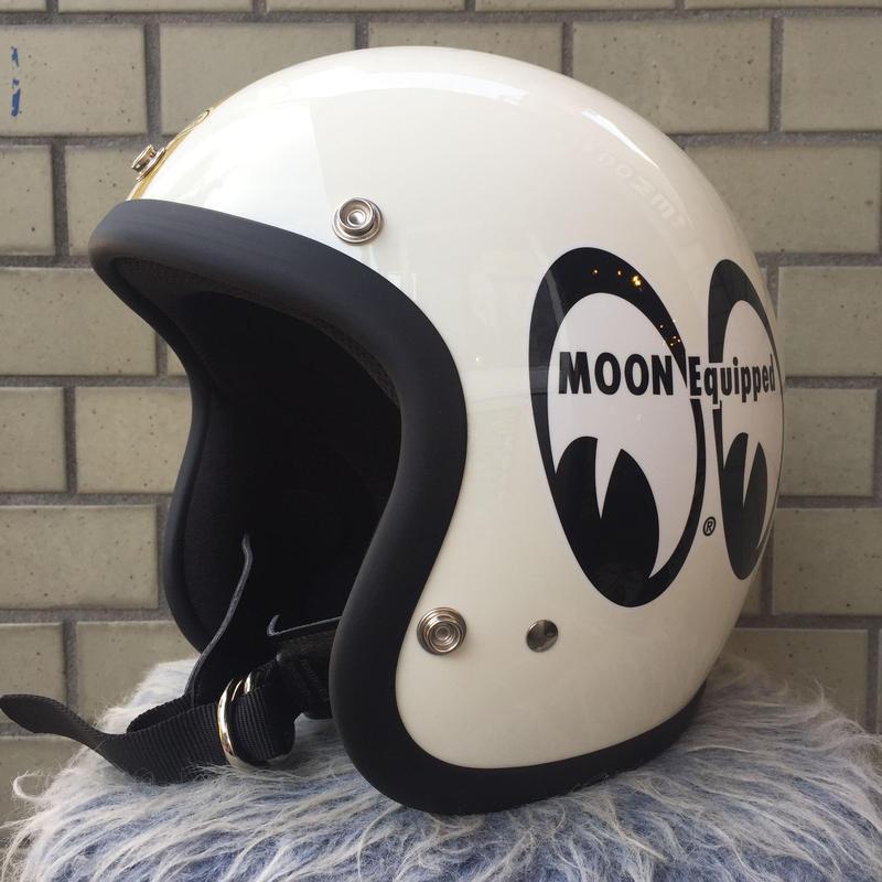 スーパーマグナム MOON × TT&CO. アイボリー