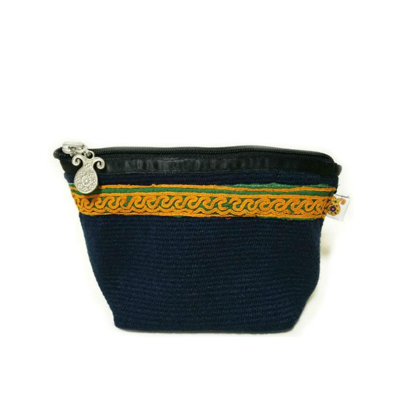 アフガニスタンの手織り布とハンドメイド刺繍 の ポーチ Navy