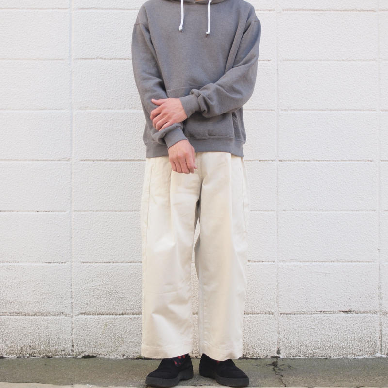 【unisex】Ordinary fits〈オーディナリーフィッツ〉 BOTTLES PANTS chino OFF