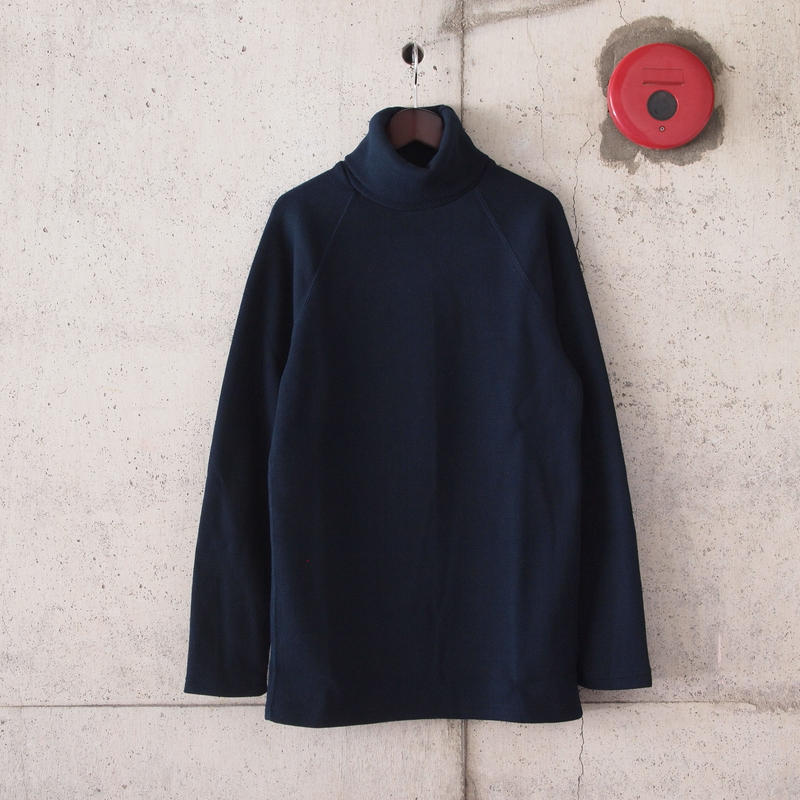 Manual Alphabet〈マニュアルアルファベット〉 HALF FRAISE TURTLE NECK TEE NAVY