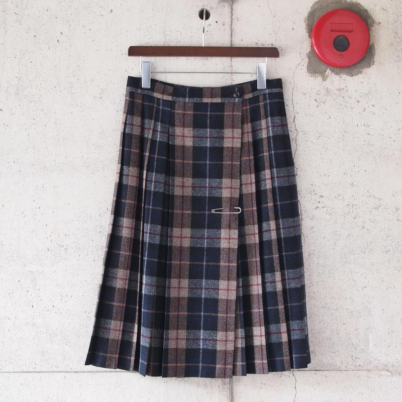 【women】a piece of Library〈ピースオブライブラリー〉 アイリッシュプリーツスカート BEIGE