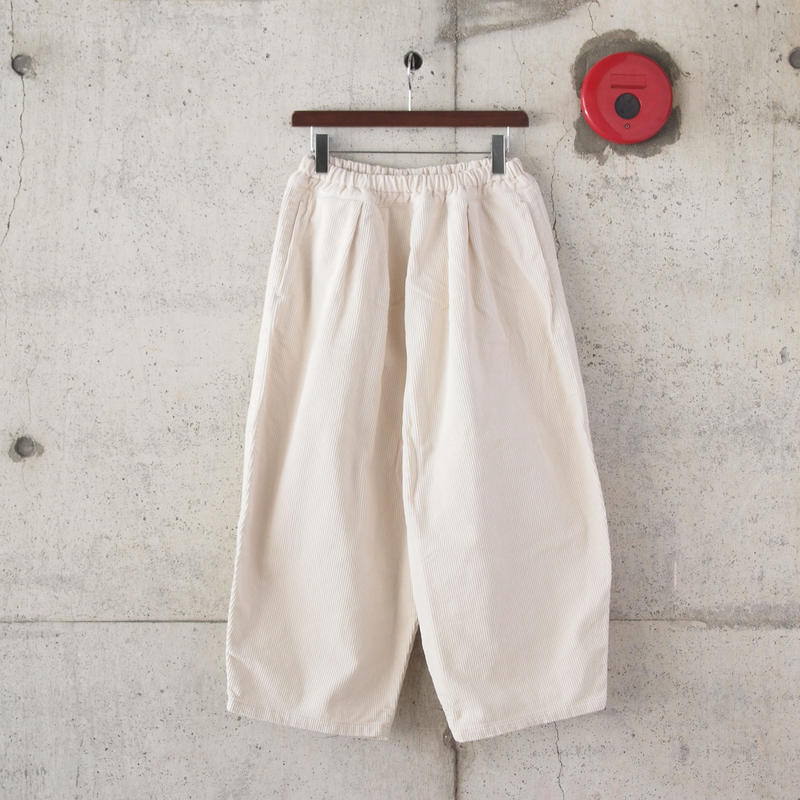 【women】Ordinary fits〈オーディナリーフィッツ〉 BALL PANTS  corduroy OFF