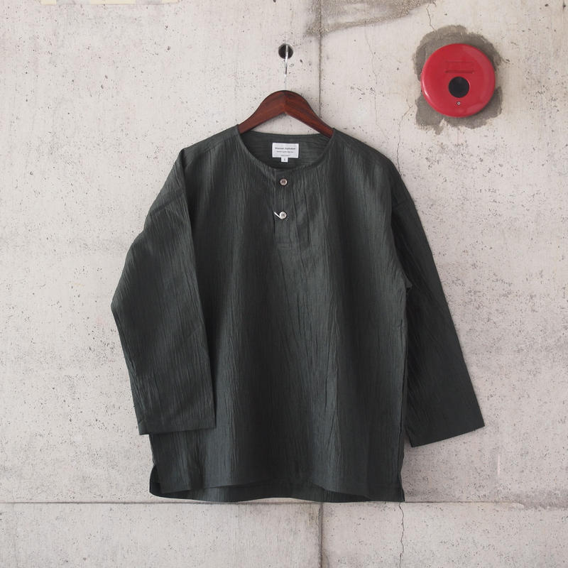 Manual Alphabet〈マニュアルアルファベット〉 WRINKLE HENLEY NECK SHIRT OLIVE