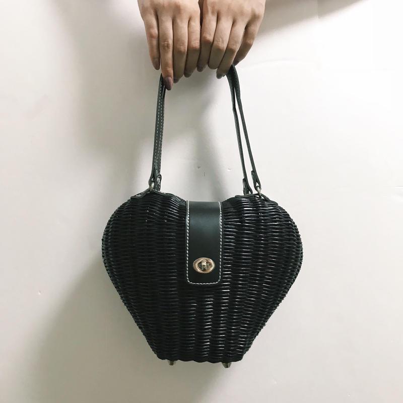 heart design bucket bag black