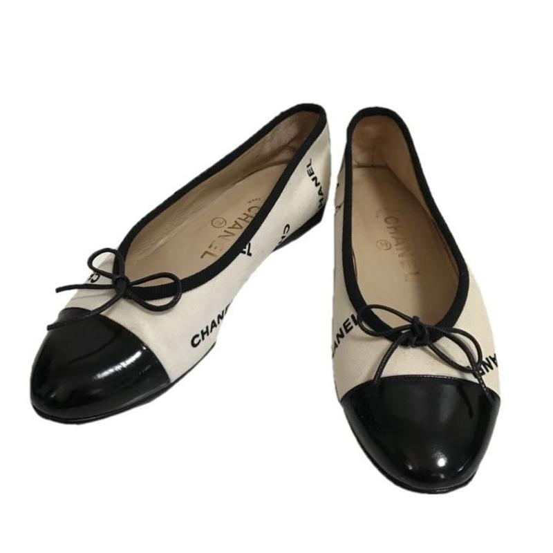 CHANEL logo design ballet shoes
