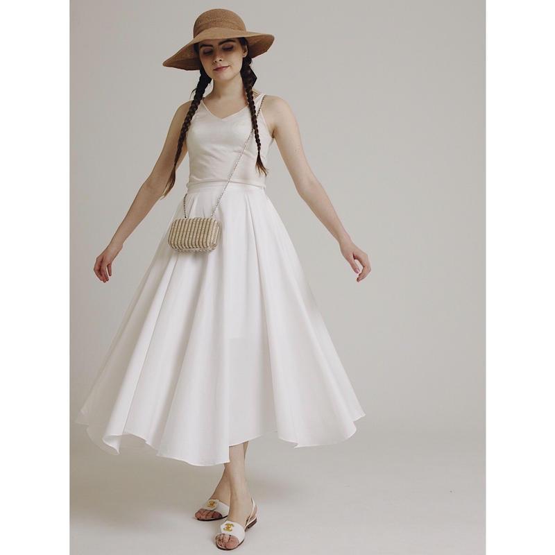 volume design flare skirt white